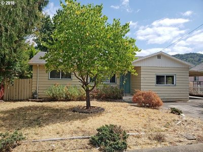 Roseburg OR Single Family Home For Sale: $145,000