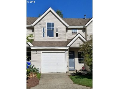 Portland Single Family Home For Sale: 942 SE 193rd Ave