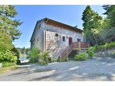 Coos Bay Single Family Home For Sale: 62293 Crown Point Rd