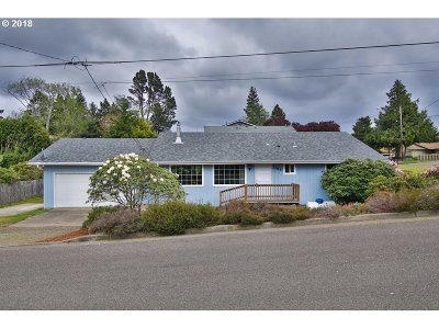 North Bend Single Family Home For Sale: 2765 Cedar
