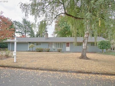 Beaverton Single Family Home For Sale: 10380 SW Homestead Ln