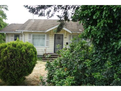 Portland Single Family Home For Sale: 6804 SE Ogden St
