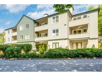 Johns Landing, Johns Landing & Fulton Park, South Waterfront Condo/Townhouse For Sale: 4980 SW Landing Dr #302