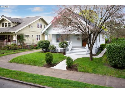 Portland Single Family Home For Sale: 4903 SE 72nd Ave
