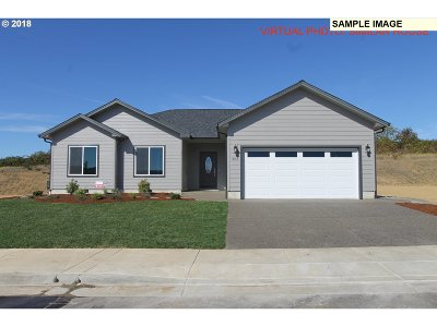 Sutherlin Single Family Home For Sale: 871 Sand Pines Ave