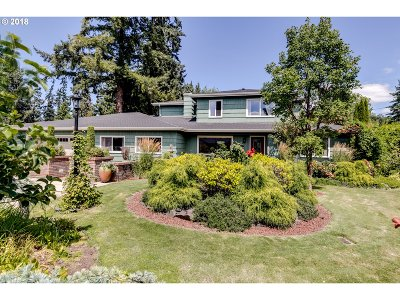 Springfield Single Family Home For Sale: 3184 Wayside Loop