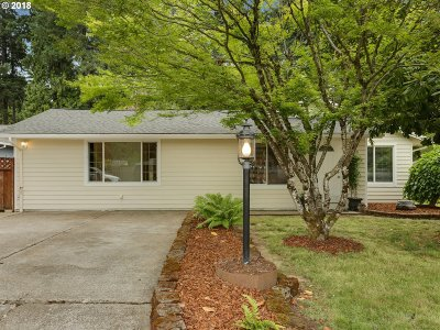 Milwaukie, Gladstone Single Family Home For Sale: 13080 SE 45th Ave
