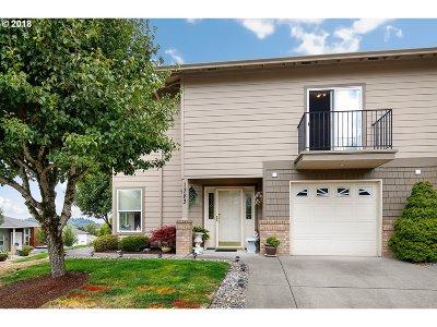 Gresham Single Family Home For Sale: 1383 SW 23rd Ter