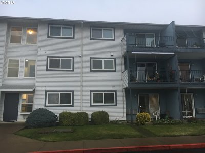 Woodburn Condo/Townhouse For Sale: 950 Evergreen Rd #307