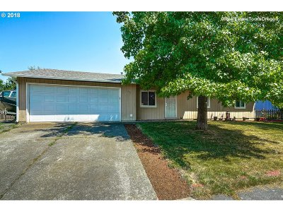 Hillsboro, Cornelius, Forest Grove Single Family Home For Sale: 242 S 21st Ave