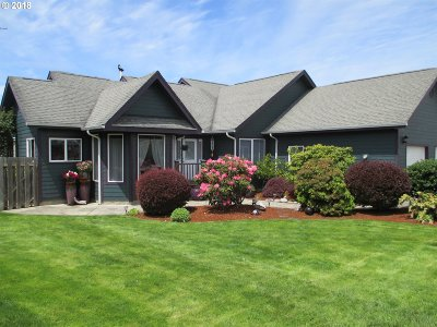 Bandon Single Family Home For Sale: 2992 Ruby Ct