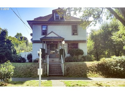 Portland Single Family Home For Sale: 3006 NE Everett St