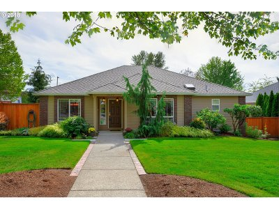 Milwaukie, Clackamas, Happy Valley Single Family Home For Sale: 12322 SE Spring Mountain Dr