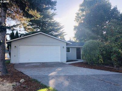 Hillsboro Single Family Home For Sale: 302 NE 34th Pl
