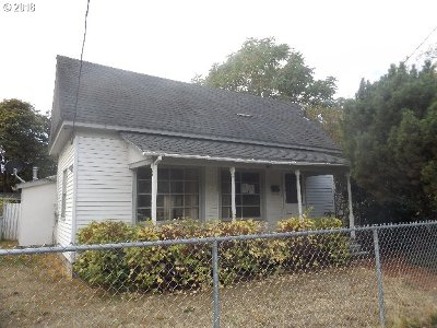 Roseburg OR Single Family Home For Sale: $120,000