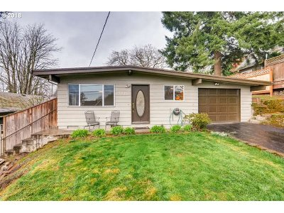 Portland Single Family Home For Sale: 7323 SW 4th Ave
