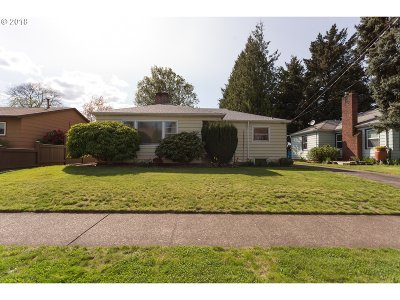 Portland Single Family Home For Sale: 3601 SE 76th Ave