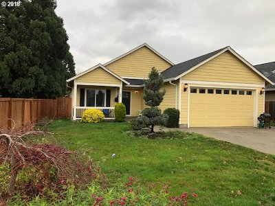 Woodburn Single Family Home For Sale: 1705 Landau Dr