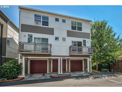 Beaverton Condo/Townhouse For Sale: 15514 SW Donna Ct