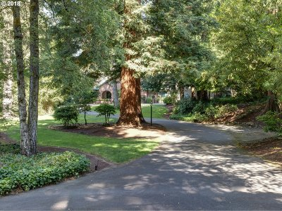 Portland Single Family Home For Sale: 4260 SW Charming Way