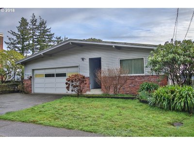 Coos Bay Single Family Home For Sale: 1260 N 10th