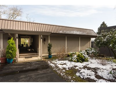 Lake Oswego Condo/Townhouse For Sale: 750 1st St #C14