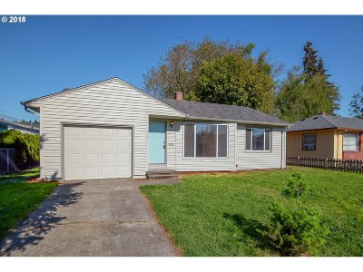 Single Family Home For Sale: 3809 Thompson Ave