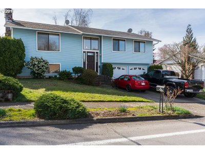 Gresham, Troutdale, Fairview Single Family Home For Sale: 2202 SW Binford Lake Pkwy
