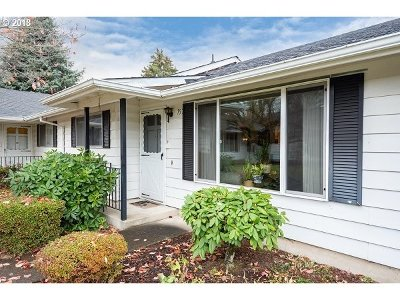Gresham Condo/Townhouse Bumpable Buyer: 757 NE Fleming Ave