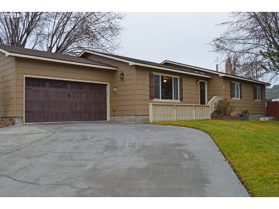 Hermiston Single Family Home For Sale: 3 SW Alderbrooke Pl