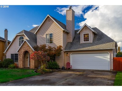 Woodburn Single Family Home For Sale: 895 Amity Ct