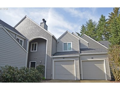 Lake Oswego Condo/Townhouse For Sale: 5225 Jean Rd #107