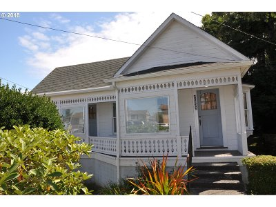 North Bend Single Family Home For Sale: 2137 Harrison St