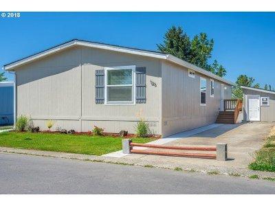 Eugene Single Family Home For Sale: 1415 S Bertelsen Rd #126