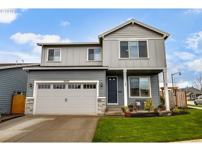 Forest Grove Single Family Home For Sale: 2433 Sweetwood Ct