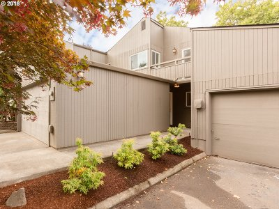 Beaverton Condo/Townhouse For Sale: 17594 NW Shorewood Dr