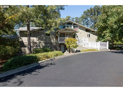Roseburg Single Family Home For Sale: 1890 Fisher Rd