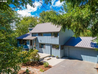 Portland Single Family Home For Sale: 6061 SW Taylor St