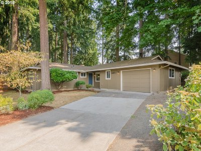 Tigard Single Family Home For Sale: 12470 SW Walnut St