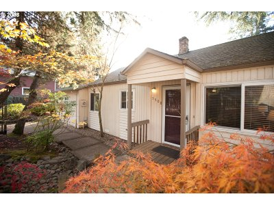 Portland Single Family Home For Sale: 5508 SW Cameron Rd