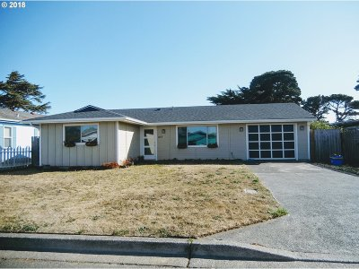 Bandon Single Family Home For Sale: 835 10th St