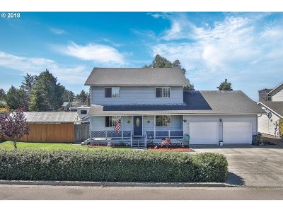 Coos Bay Single Family Home For Sale: 1300 Sanford