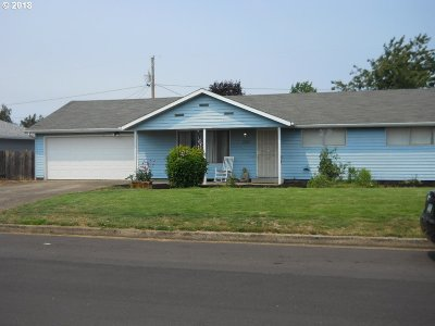 Springfield Single Family Home For Sale: 2180 Otto St
