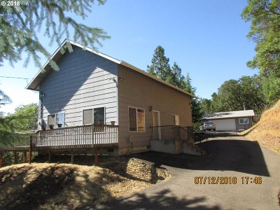 Roseburg Single Family Home For Sale: 3367 NE Stephens St