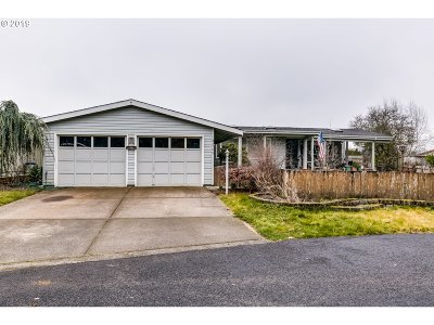 Eugene Single Family Home For Sale: 34755 Devonshire Dr