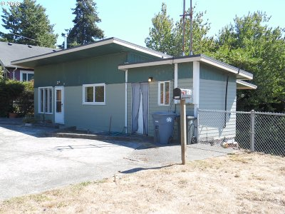 Coos Bay Single Family Home For Sale: 901 Southwest Bv