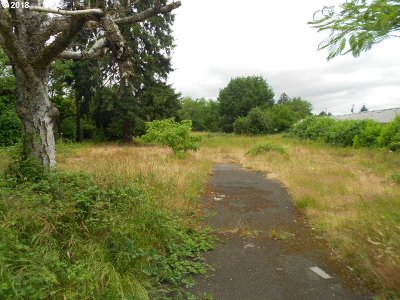 Milwaukie, Gladstone Residential Lots & Land For Sale: 7949 SE Glencoe Rd
