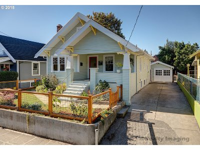 Portland Single Family Home For Sale: 1307 SE 48th Ave