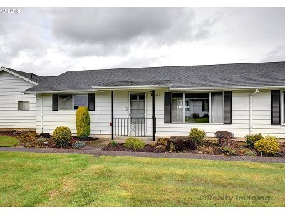 Gresham, Troutdale, Fairview Condo/Townhouse For Sale: 632 NE Fleming Ave