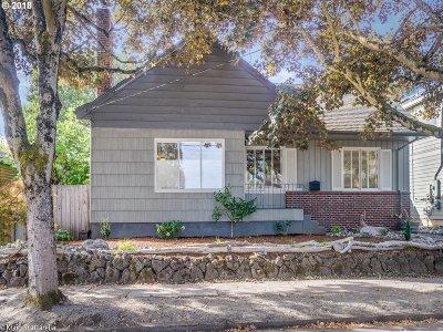 Clackamas County, Multnomah County, Washington County Single Family Home For Sale: 7004 N Kellogg St
